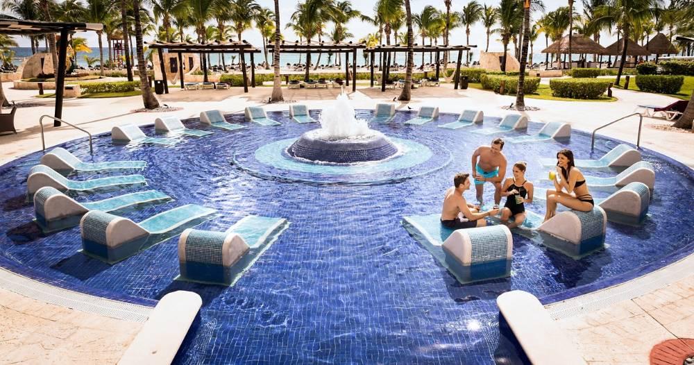 Resort On The Riviera Maya