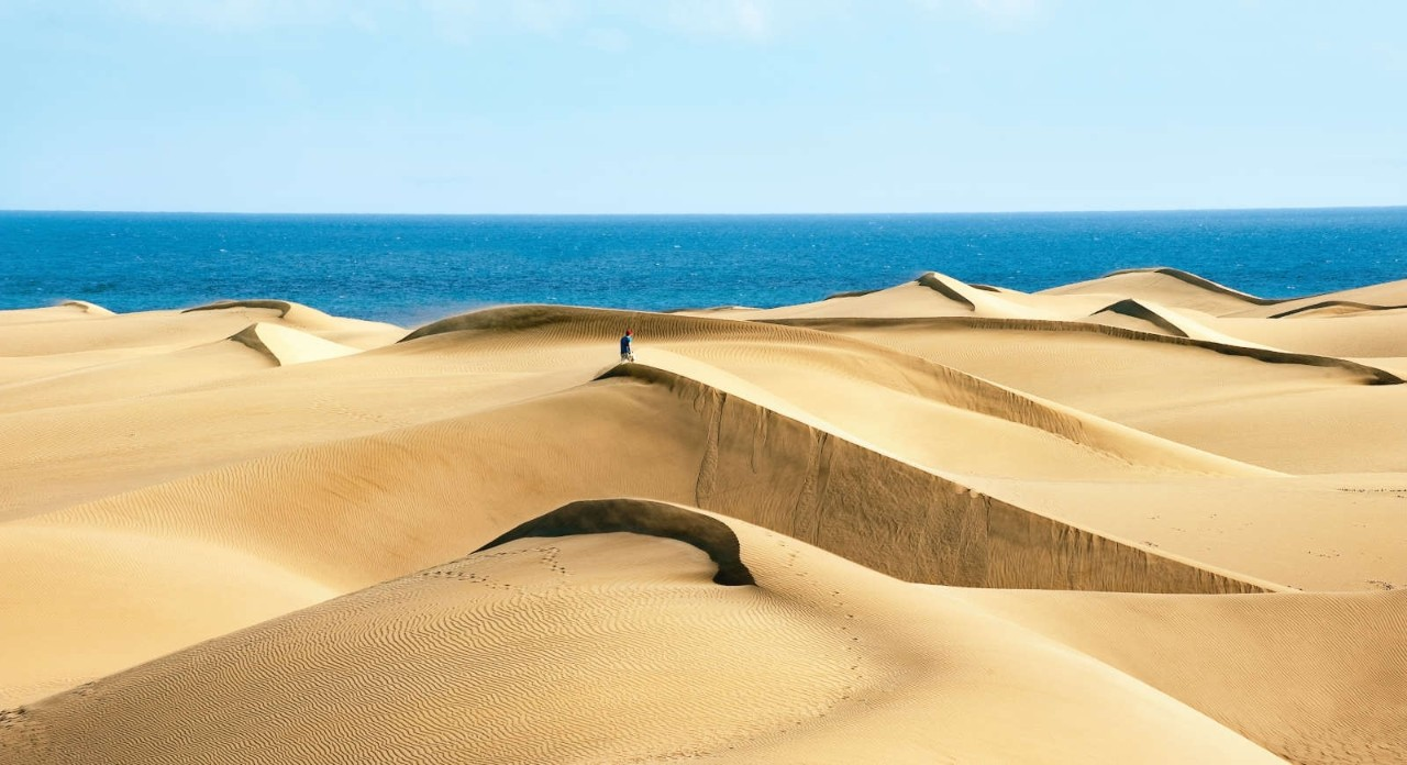 Sandy dunes in famous natural Maspalomas beach. Gran Canaria.  Spain
