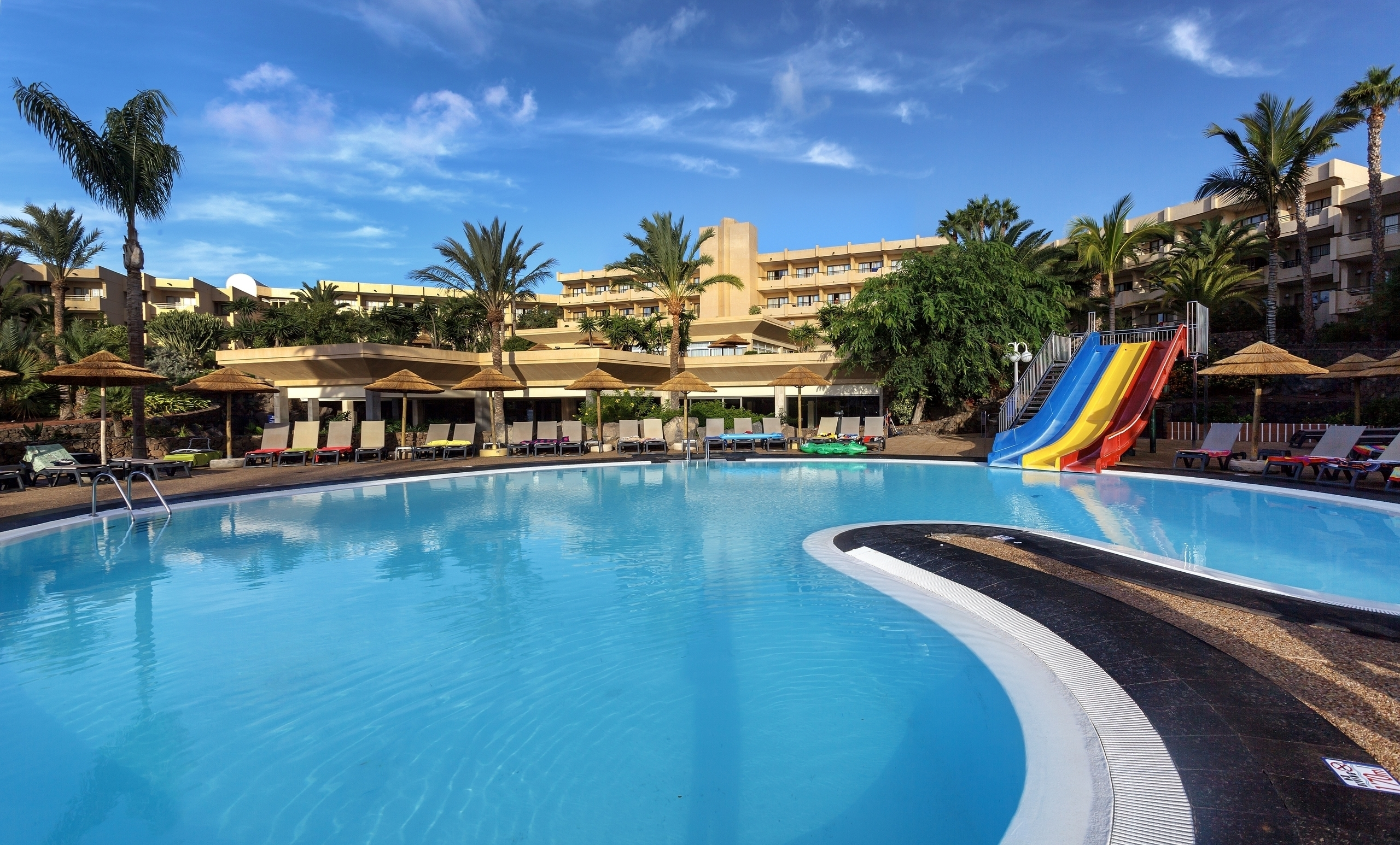 Occidental Lanzarote Mar Hotel For Sports Enthusiasts Barcelo Com