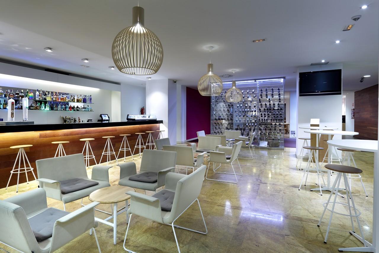 Champs Sport Bar